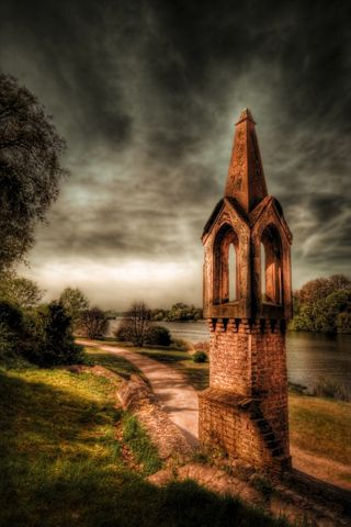 Babelsberg Tower, creative commons photograph by gari.baldi, on Flickr